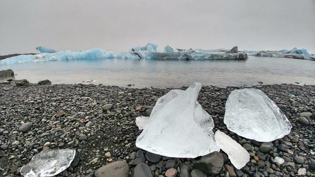 Iceland_Glacier_Lagoon_Ices1